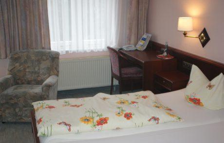 Liebevoll hergerichtete Schlafzimmer in Osterwieck