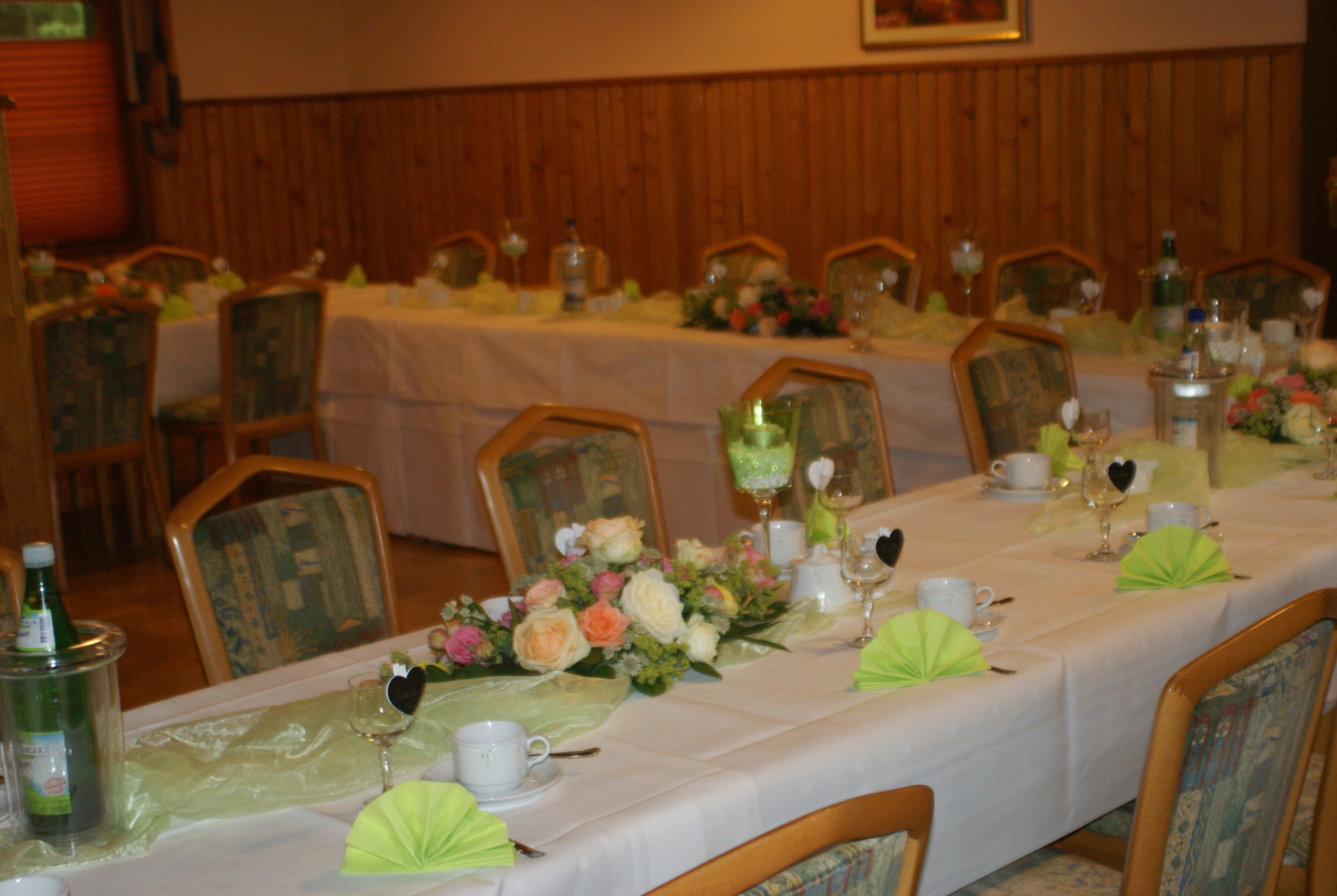 Große Tafeln im Waldhaus Hotel & Restaurant